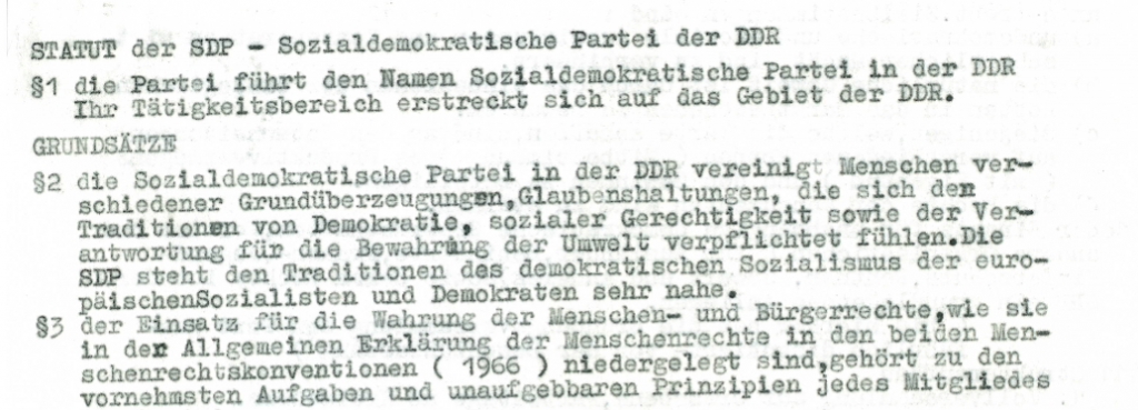 Auszug aus den Gründungsstatuten der Sozialdemokratischen Partei der DDR - ich habe die Papiere von der Hallenser Veranstaltung mitgenommen