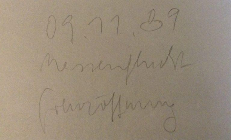 So signierte ich die 6-7 Selbstportraits auf der Rückseite, die am 09. Nov. 1989 entstanden